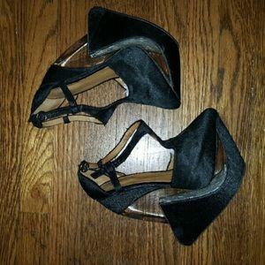 Jeffrey Campbell Price Firm